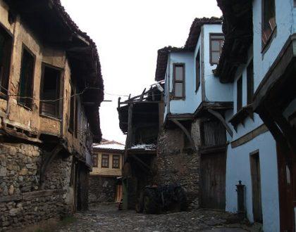 Cumalıkızık Köyü'ne Nasıl Gidilir? Gezilecek Yerler ve Kanlıgölet Şelalesi
