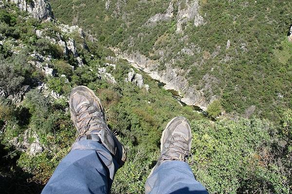 Yürüyüş Ayakkabısı Nedir, Alırken Dikkat Edilmesi Gerekenler Nelerdir?