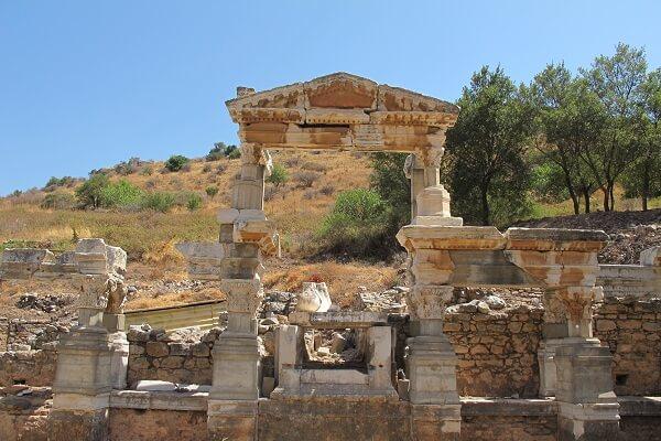 Efes Antik Kenti'ne Nasıl Gidilir? Ziyaret Saatleri ve Giriş Ücreti