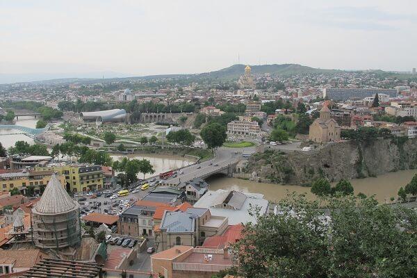 Tiflis Havalimanı'ndan Şehir Merkezine Nasıl Gidilir