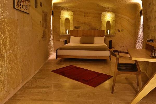 Acropolis-Cave-Suites