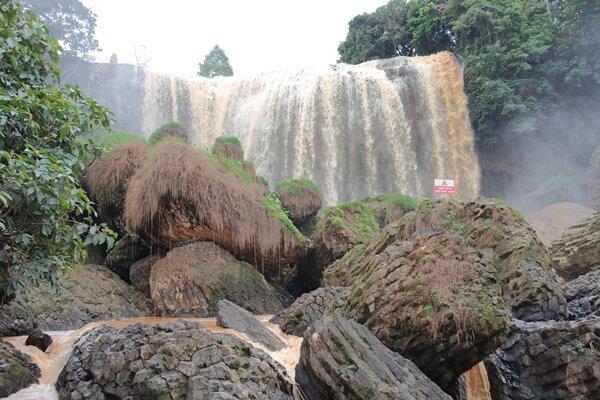 Dalat-Elephant-Waterfall